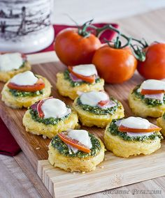 Bread Swirls with Basil Pesto and Mozzarella Filling